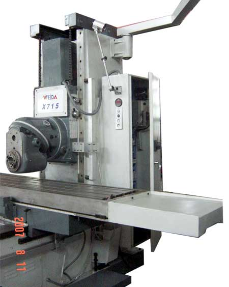 Weida X715 bed mill with head in low horizontal position
